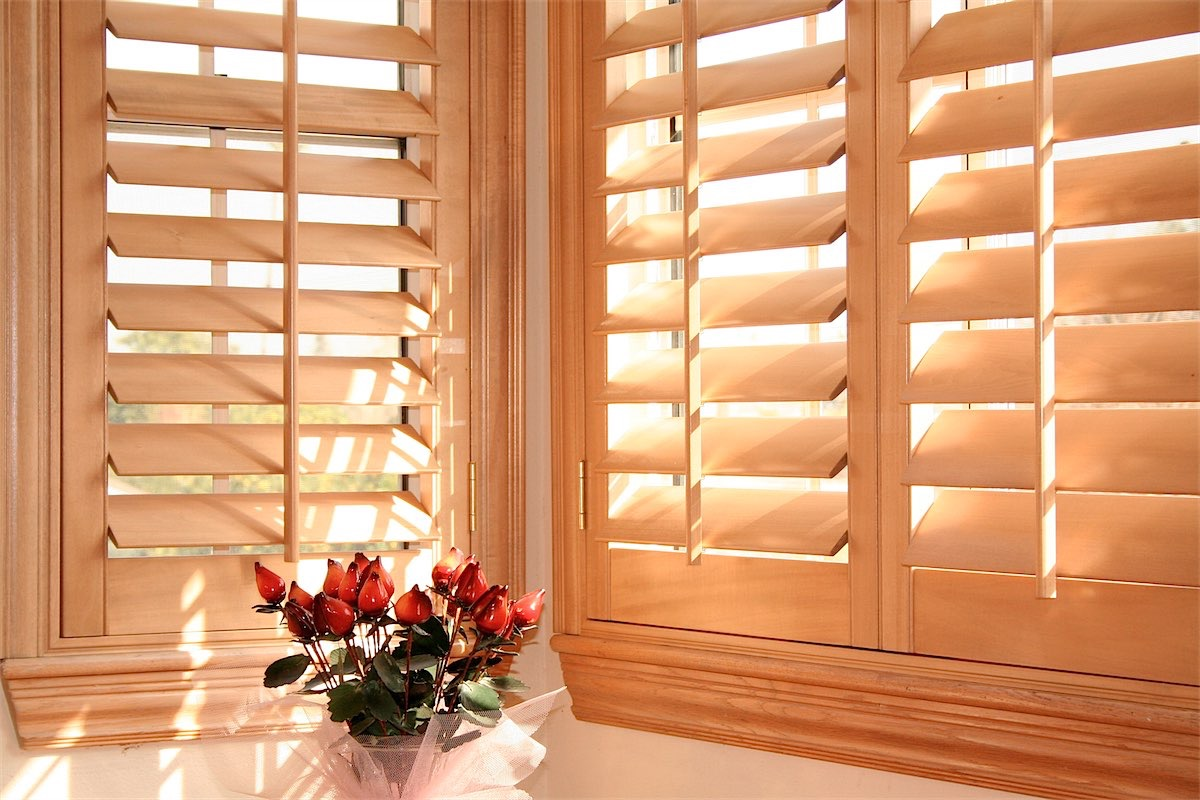 london image window blinds wood shutters sunrise vinyl california windsor fashions toronto furniture